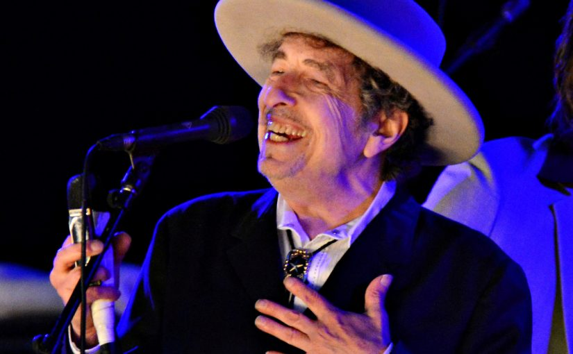 U.S. musician Bob Dylan performs during on day 2 of The Hop Festival in Paddock Wood, Kent on June 30th 2012. REUTERS/Ki Price/File photo     TPX IMAGES OF THE DAY      - RTSS66R