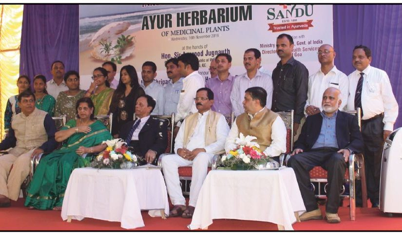 IN LOVE WITH AYURVEDA! Visiting chief guest Mauritian prime minister Sir Anerood Jugnauth after the inauguration of an Ayurveda herbarium at the Sandu Pharmaceuticals plant at Pilerne industrial estate on November 16, 2016. Group pic also has AYUSH minister Shripad Naik, director of Health Services Dr Sanjeev Dalvi, Shashank and Umesh Sandu with staff. Ayurveda medicines are popular in Mauritius and First Lady Sarojini Devi confided that 'neem goli' is useful for diabetes. (Pic by Tara Narayan)