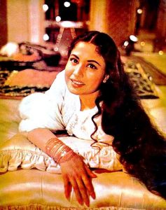 TRAGEDY QUEEN: Meena Kumari, who was considered the tragedy queen of her time, became a victim f daaru.