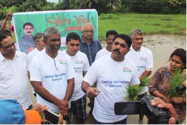 VIJAI GOES SAFFRON, PROMOTES VEDIC FARMING