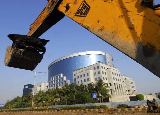 IL&FS OWES BANKS `1,999 crore