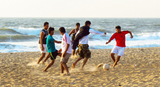 FOOTBALL IN GOA AT THE CROSSROADS