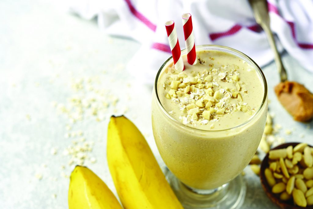 PEANUT BUTTER AND HONEY OAT SMOOTHIE